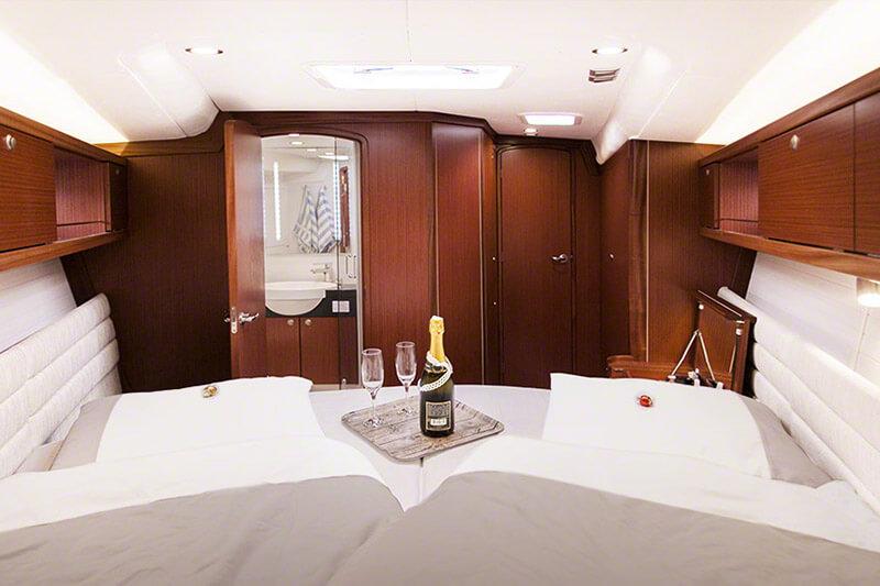 wnętrze luksusowego jachtu