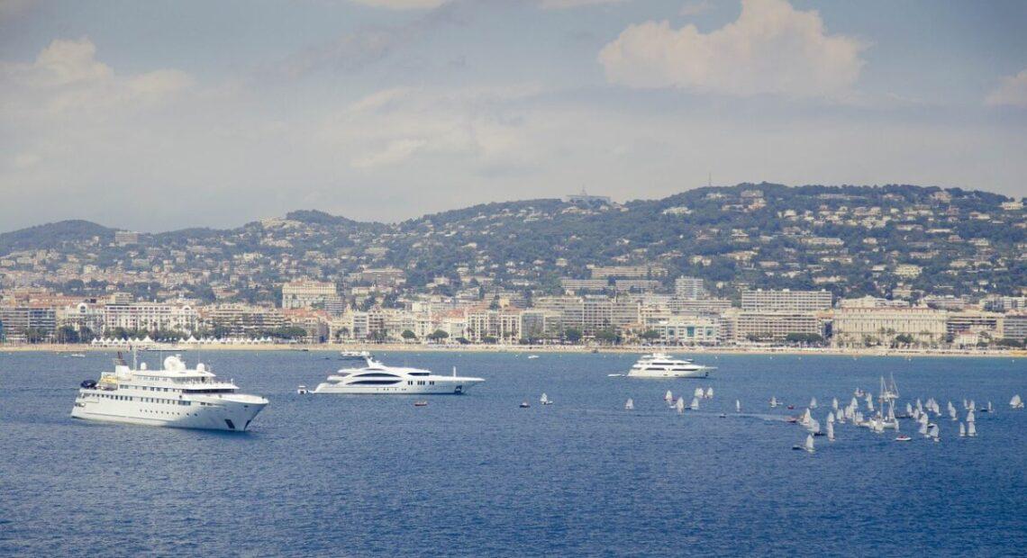 Jachty na Lazurowym Wybrzeżu