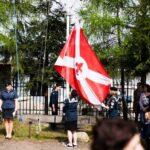 Apel i podniesienie flagi