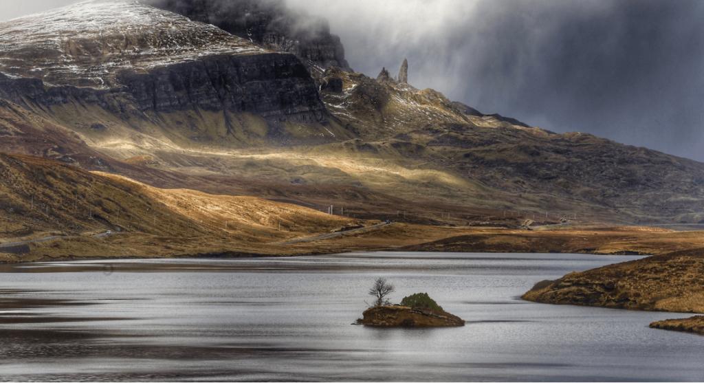 Widok na wybrzeże Skye